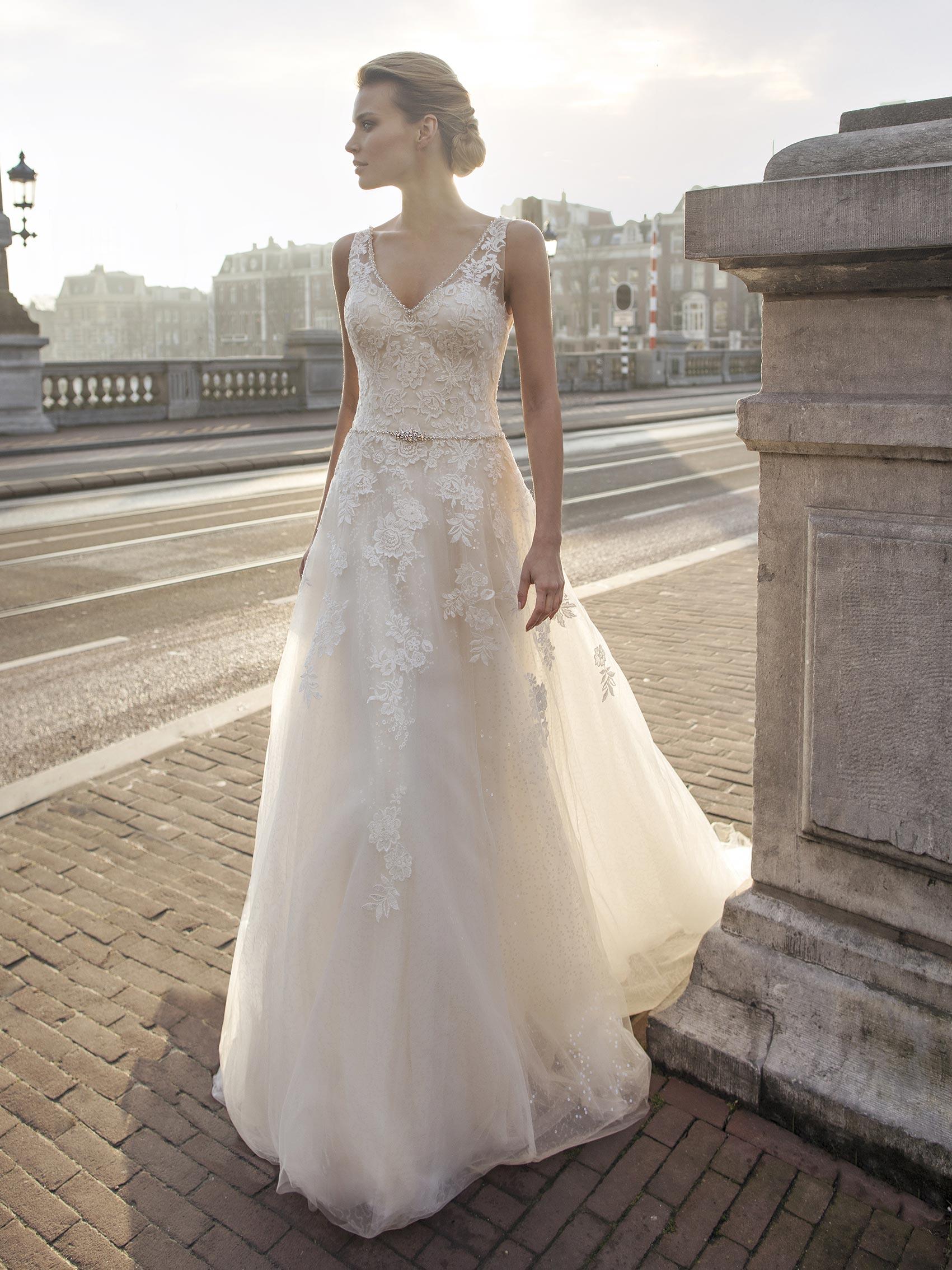 Abiti Da Sposa Quagliata Salerno.Quagliata Spose Amalia